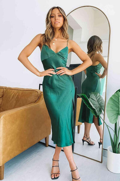Merry See Yeşil Saten Uzun Yırtmaçlı Gecelik Elbise MS2321