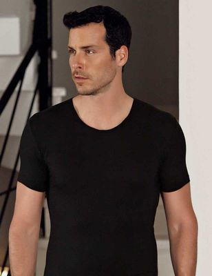 Şahinler - Siyah Bisiklet Yaka Kısa Kollu Modal Erkek T-Shirt ME129