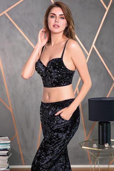 Siyah İnci Detaylı Büstiyerli Kadife Pijama Takımı 4154